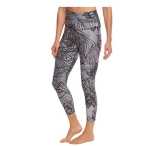 Beyond Yoga Flip It & Reverse It Capris Black/Gray